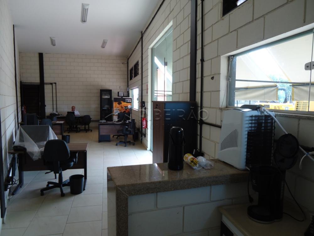 Alugar Comercial / Galpão em Ribeirão Preto R$ 10.700,00 - Foto 13