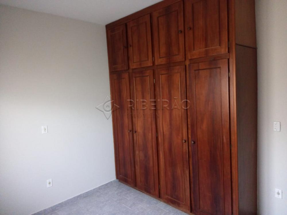 Alugar Casa / Padrão em Ribeirão Preto R$ 1.600,00 - Foto 11