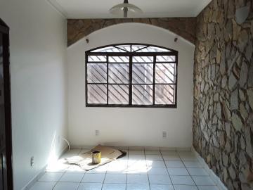Alugar Casa / Padrão em Ribeirão Preto. apenas R$ 2.250,00