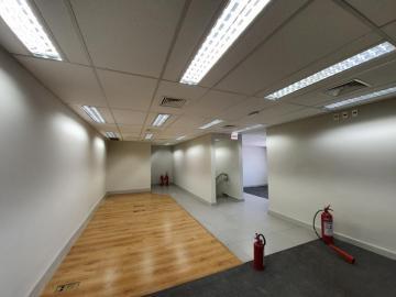 Alugar Comercial / Salão em Ribeirão Preto R$ 18.000,00 - Foto 31