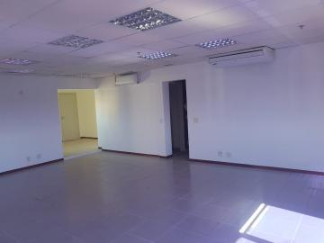 Comercial / Sala em Ribeirão Preto Alugar por R$2.000,00