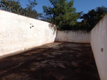 Alugar Casa / Padrão em Ribeirão Preto R$ 1.600,00 - Foto 16