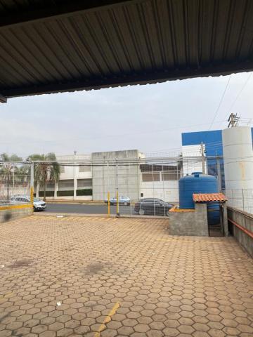 Alugar Comercial / Galpão em Ribeirão Preto R$ 16.000,00 - Foto 2